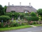 posts-pic-orthodox-england-cottage